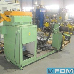 Coil-feed-straightening plant - BAD SALZUNGEN MHRE
